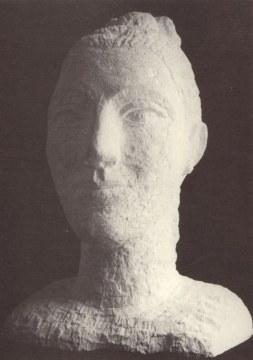 Ragazza con treccia, 1996, pietra di vicenza, cm. 62x39x38